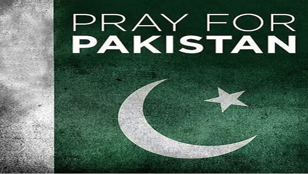 Phoneworld Team Prays to Get Rid of the Contiguous Disease on this Pakistan Day