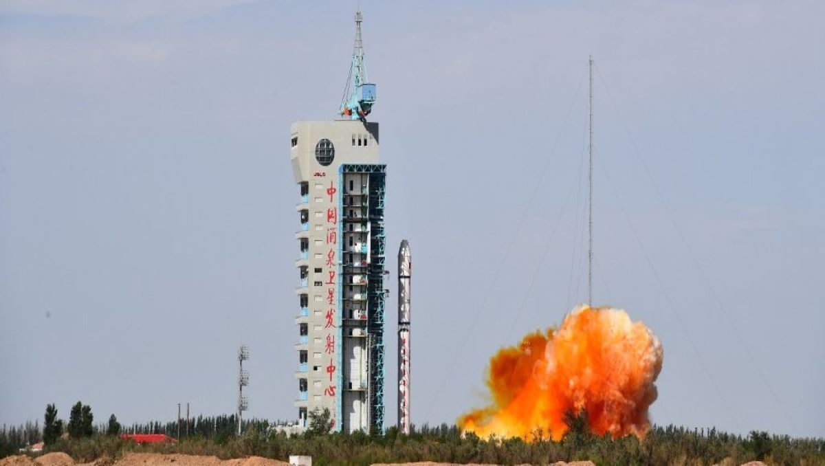 China's Reusable Spacecraft Blasts Off for First Time in Secretive Launch
