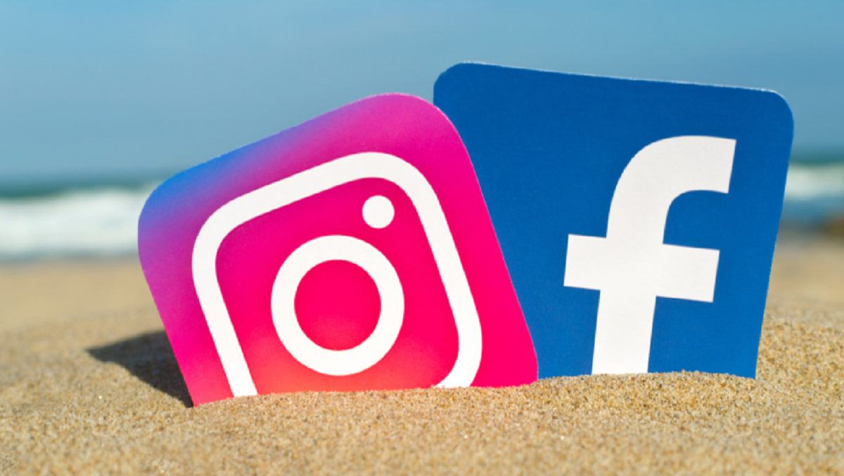 Photo of Facebook Sued for Spying Instagram Users through their Cameras