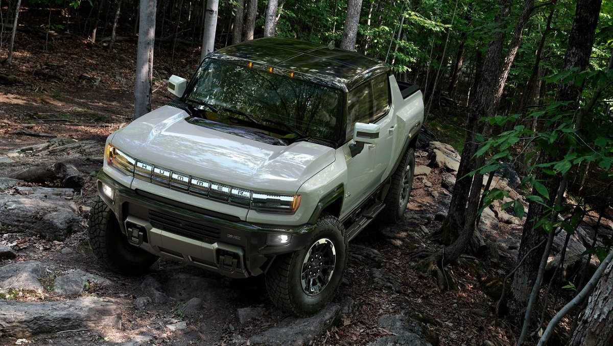 GM Unveils it's First All-Electric Hummer