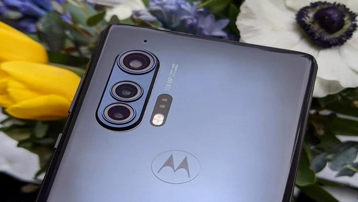 Photo of New Motorola Smartphone with 6,000 mAh Battery Certified