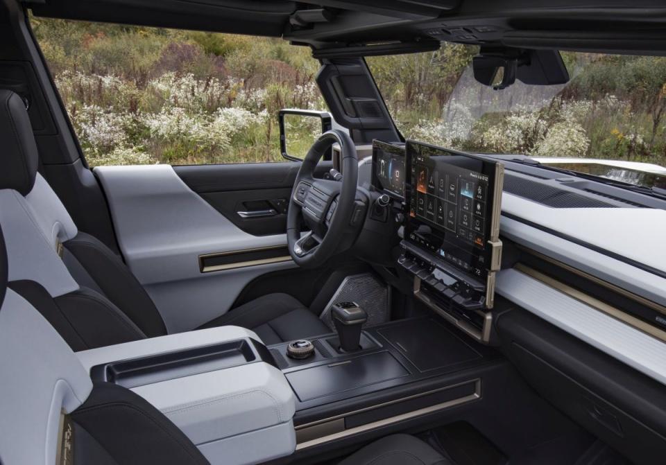 سوپر کامیون GMC Hummer EV با سیستم عامل اندروید