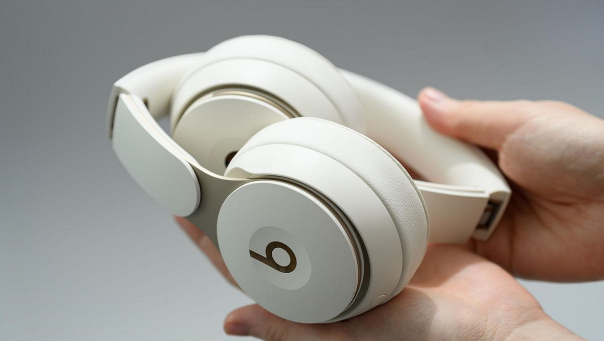 MediaTek Apple Headphones
