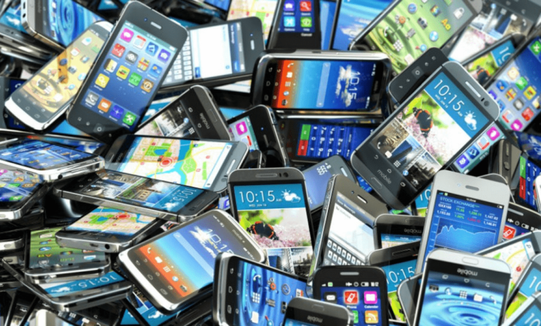 Pakistan mobile phones export